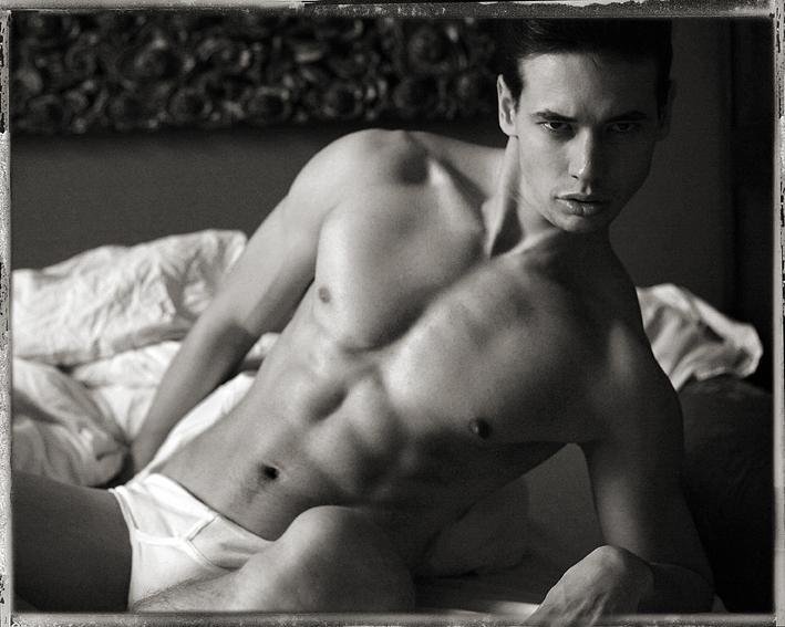 Nejžhavější nahý model