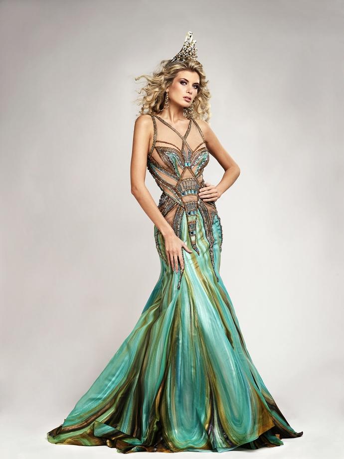 942b487cb234 Ceska Miss 2009 Iveta Lutovska   šaty Blanka Matragi